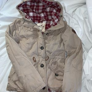 Hollister Puffer Jacket with plaid print